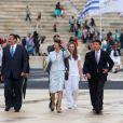 La princesse Anne a reçu le feu sacré avec la délégation britannique, dont David Beckham, des JO de Londres 2012 lors d'une cérémonie au stade panathénaïque d'Athènes, le 17 mai 2012. La flamme doit rentrer le 18 mai au Royaume-Uni pour embraser la torche olympique.
