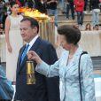 La princesse Anne, David Beckham et la délégation anglaise des JO de Londres 2012 menée par Lord Sebastian Coe et Boris Johnson ont reçu la flamme olympique le 17 mai 2012 au stade panathénaïque d'Athènes.