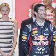 La princesse Charlene assistait au côté du prince Albert au Grand Prix de Monaco, le 27 mai 2012. A l'issue de la course, qu'elle a suivie en compagnie des neveux de son époux, les frères Andrea et Pierre Casiraghi, elle remettait le trophée du deuxième, l'Allemand Nico Rosberg.