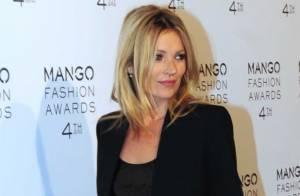 Kate Moss : Très chic et souriante pour honorer une légende vivante de la mode