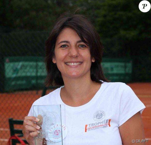 Estelle Denis, grande gagnante le 7 juin 2012 lors du Trophée des Personnalités au Petit Jean-Bouin à quelques pas de Roland-Garros