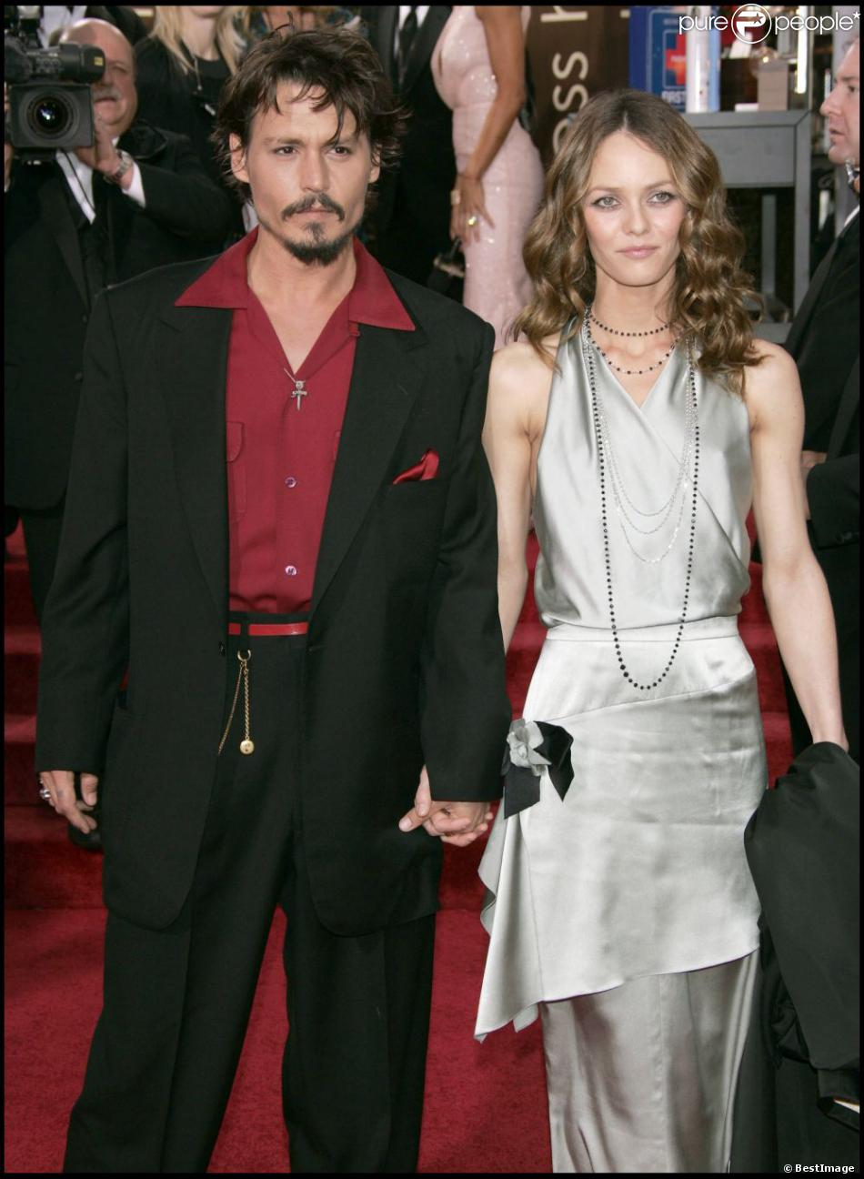vanessa paradis er johnny depp un couple mythique purepeople. Black Bedroom Furniture Sets. Home Design Ideas