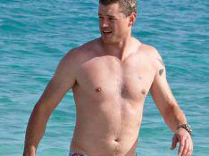 PHOTOS EXCLUSIVES : Eric Dane 'Docteur Glamour', très amoureux... dans l'eau !