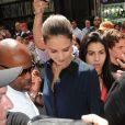 Katie Holmes dans la foule à New York le 2 juillet 2012. Première sortie de l'actrice depuis l'annonce de son divorce d'avec Tom Cruise, après cinq ans de mariage.