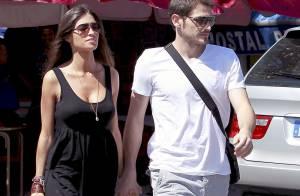 Iker Casillas et Sara Carbonero : Promenade au soleil loin de Madrid en amoureux