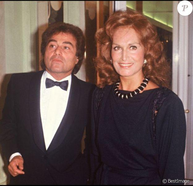 Dalida et son frère Orlando à Paris en 1983. En 2012, 25 ans après son suicide dans la nuit du 2 au 3 mai 1987, Dalida continue de passionner et de renvoyer l'image d'une diva aux airs de femme fatale. Sa facette intime, celle de la femme désespérée, reste à découvrir...