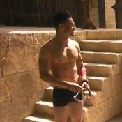 Baptiste Giabiconi se dénude et finit en caleçon dans Fort Boyard !