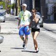 Très amoureux, Tallulah Willis et son chéri Lucas Vercetti vont déjeuner à Studio City, Los Angeles, le 8 juillet 2012