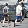 Comme des grands, Tallulah Willis et son chéri Lucas Vercetti vont déjeuner à Studio City, Los Angeles, le 8 juillet 2012
