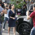 Poursuivis par les photographes, Kanye West et Kim Kardashian vont déjeuner à Beverly Hills le 13 juillet 2012