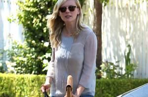 Kirsten Dunst, reine du style, affiche son street-look impeccable