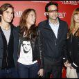 Anthony Delon entourée de sa demi-soeur Anouchka Delon (accompagnée de son amoureux Julien), et de Sophie Clérico le 6 octobre 2011
