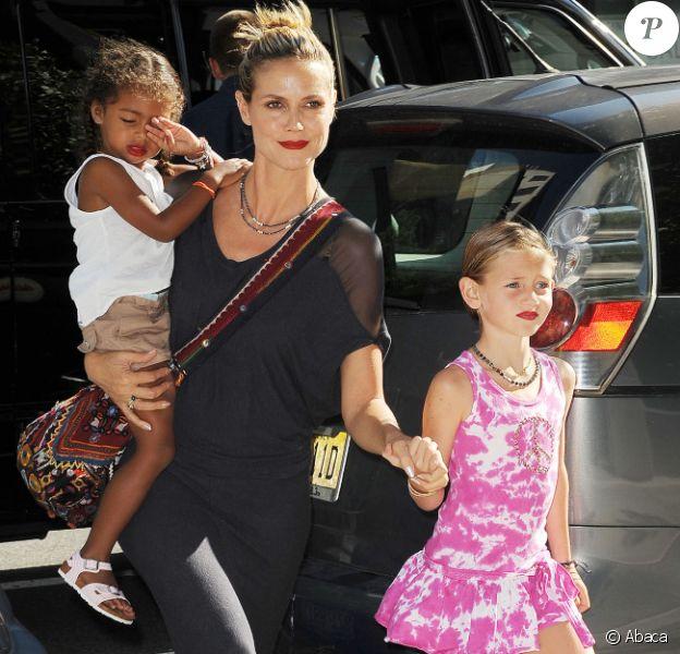 Heidi Klum avec ses filles Leni et Lou, maquillées comme leur maman, au Children's Museum of Arts, à New York, le 24 juillet 2012