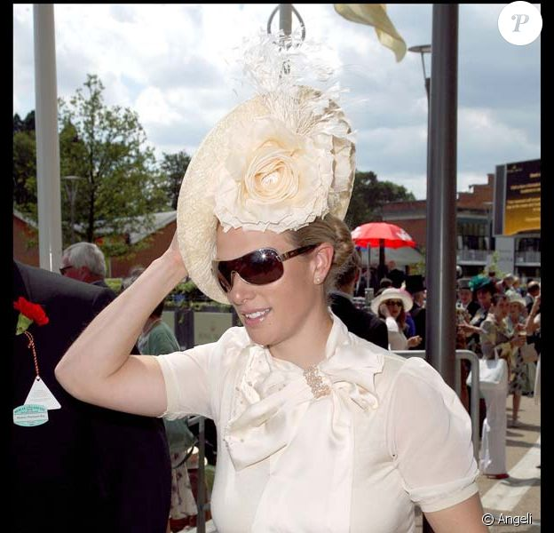 Zara Phillips et son nouveau chapeau