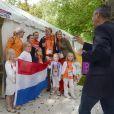 Le prince Willem-Alexander et la princesse Maxima des Pays-Bas ont posé en famille avec la cycliste Marianne Vos, championne olympique de la course sur route, le 29 juillet 2012, avec leurs filles les princesses Catharina-Amalia (8 ans), Alexia (7 ans) et Ariane (5 ans).