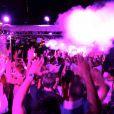 La foule en délire pour Apl.de.Ap des Black Eyed Peas à Cannes le 30 août 2012 sur le Axe Boat
