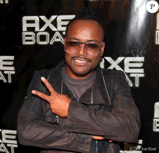 Apl.de.Ap des Black Eyed Peas à Cannes le 30 août 2012 sur le Axe Boat