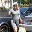 Epanouie, Anna Faris enceinte à Los Angeles le 9 août 2012