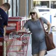 Anna Faris enceinte à Los Angeles le 9 août 2012