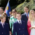 Le prince Alois et la princesse Sophie avec leurs quatre enfants. La famille princière de Liechtenstein célébrait le 15 août 2012 autour du prince Hans Adam II et du prince héritier Alois la Fête nationale de la principauté.