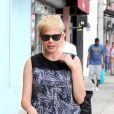 Michelle Williams emmène sa fille Matilda acheter une nouvelle paire de lunettes, à Los Angeles, le 16 août 2012