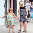 Michelle Williams emmène sa fille Matilda, 6 ans, acheter une nouvelle paire de lunettes, à Los Angeles, le 16 août 2012