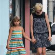 Michelle Williams et sa fille Matilda font du shopping à Los Angeles, le 16 août 2012