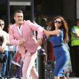 Robbie Williams avec Kaya Scodelario sur le tournage de son nouveau clip le 16 août 2012 à Londres