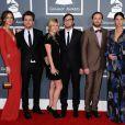 Les Kings of Leon et leurs compagnes en février 2012 lors de la cérémonie des Grammy Awards