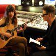 Lou Doillon et Etienne Daho en studio à Paris pour l'enregistrement de  Places , le 13 avril 2012.