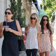 Slavica Ecclestone et ses filles Petra et Tamara à West Hollywood à Los Angeles le 21 août 2012