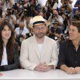 Charlotte Gainsbourg, Lars von Trier et Willem Dafoe en 2009 à Cannes. Ils se retrouveront pour  The Nymphomaniac.