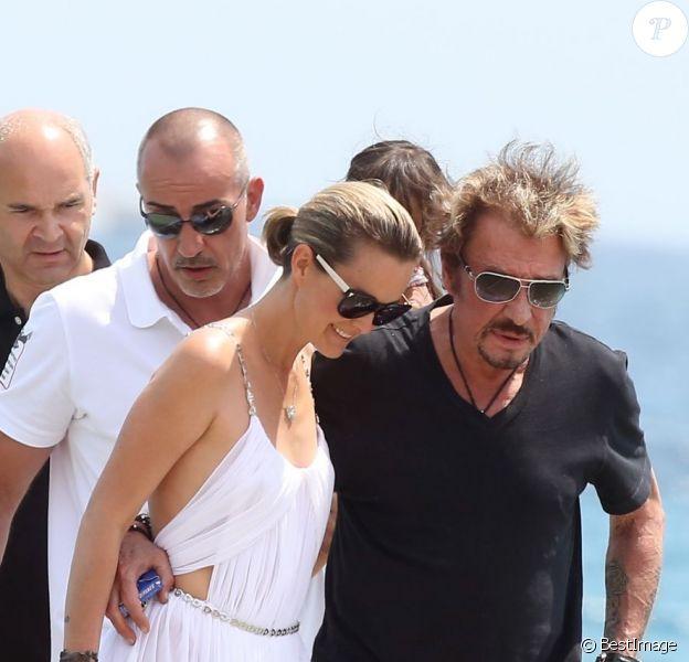 Johnny Hallyday et sa femme Laeticia le 20 juillet 2012 à Saint-Tropez