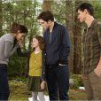 Kristen Stewart, Robert Pattinson, Mackenzie Foy et Taylor Lautner dans  Twilight - Chapitre 5 : Révélation 2e partie , en salles le 14 novembre.