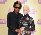 Amber Rose enceinte et son chéri Wiz Khalifa aux MTV Video Music Awards 2012 à Los Angeles le 6 septembre 2012