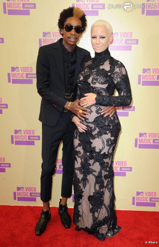 Amber Rose enceinte et son chéri Wiz Khalifa aux MTV Video Music Awards 2012 à Los Angeles le 6 septembre 2012