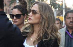 Jennifer Lopez : en vacances, elle fait des emplettes avant un dîner en amoureux