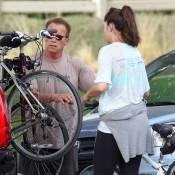 Arnold Schwarzenegger : Du vélo avec sa fille, un resto avec ses potes, ça roule