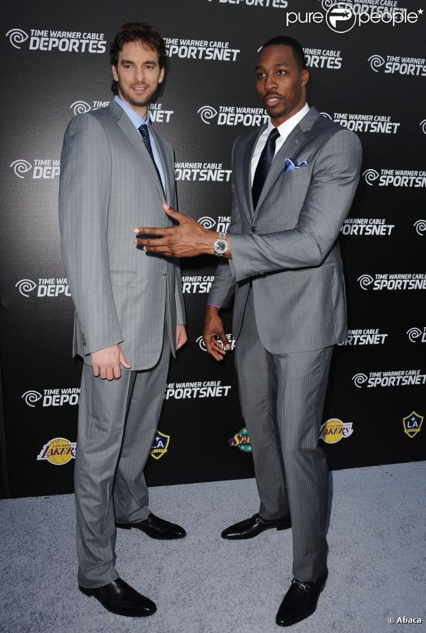 ¿Cuánto mide Dwight Howard? - Real height 948080-pau-gasol-and-dwight-howard-attend-the-620x0-2