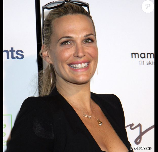 La belle Molly Sims lors de la soirée de lancement du Tracy Anderson Method Pregnancy Project, le 5 octobre 2012 à New York