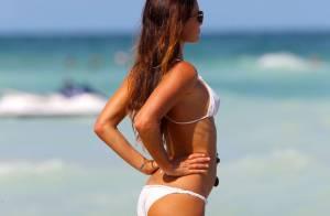 Gabrielle Anwar (Burn Notice) : A 42 ans, un corps de rêve en bikini à Miami