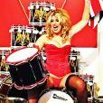 Leanne, 24 ans de Plymouth, joue de la batterie en lingerie pour illustrer le mois de mars 2013 dans le calendrier des épouses et compagnes des soldats britanniques, au profit du Royal Marines Charitable Fund.