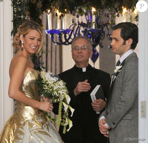 Serena et Dan, le mariage ? Blake Lively et Penn Badgley sur le tournage de la dernière saison de Gossip Girl à New York, le 16 octobre 2012