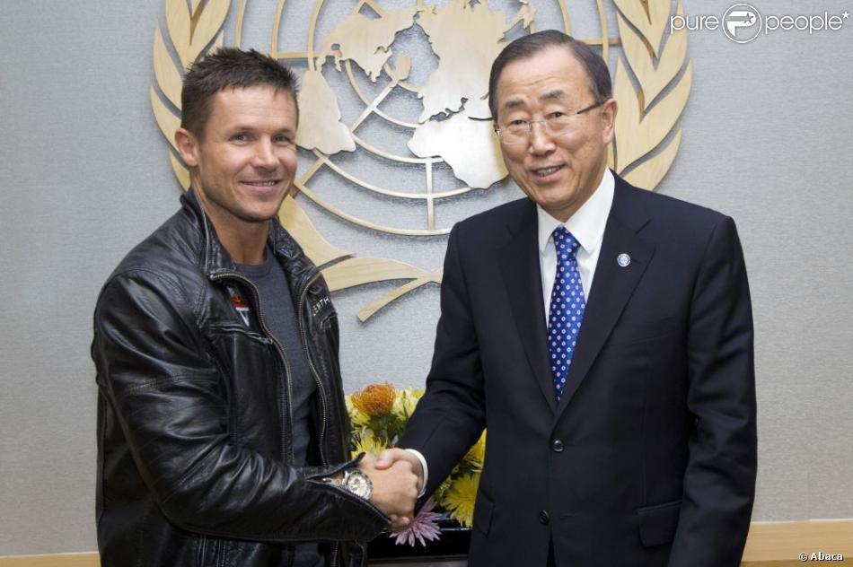 Ban Ki-moon, le secrétaire général de l'ONU et Félix Baumgartner à New York, le 23 octobre 2012.