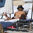 La mère de Natasha Poly, Katja, l'a accompagnée à Miami, où elle a profité de la plage, le 3 novembre 2012.
