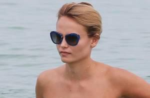 Natasha Poly : Sexy en bikini, le top model russe se mue en naïade stylée