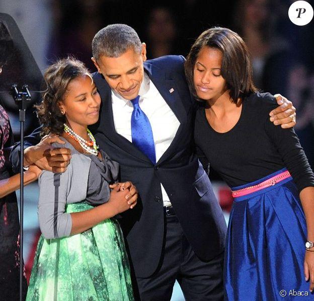 Sasha et Malia Obama lors de la victoire de leur papa Barack Obama le 7 novembre 2012