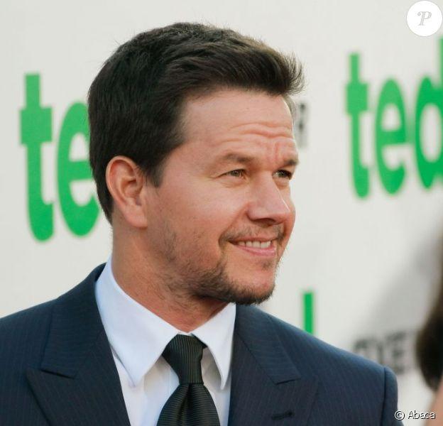 Mark Wahlberg, ici sur le tapis rouge de Ted, devra mettre son allure athlétique au service des robots de Transformers 4.