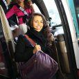 Suzon Bonnet, Miss Saint-Martin, arrive à l'aéroport Charles de Gaulle avant de s'envoler pour l'Île Maurice, à Paris le 14 novembre 2012