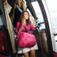 Sophie Garenaux, Miss Nord Pas-de-Calais, arrive à l'aéroport Charles de Gaulle avant de s'envoler pour l'Île Maurice, à Paris le 14 novembre 2012